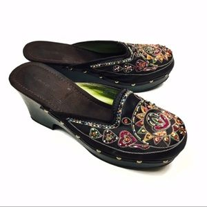 NWOT Bamboo Beaded l Sequence Boho Cloggy Clogs